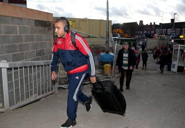 Simon Zebo arrives