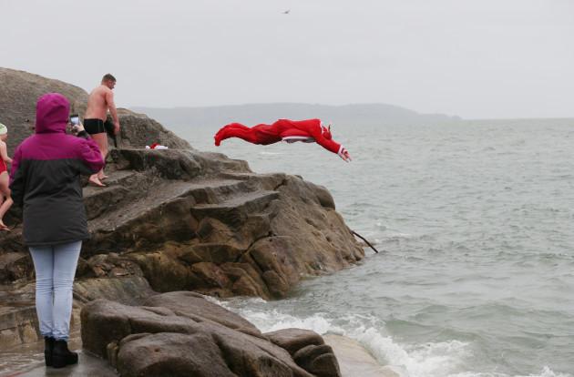 25/12/2015. Christmas Day swim at the 40 foot. Kar