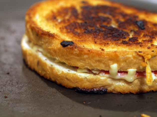 grilledcheese_110808_image5-2000x1500