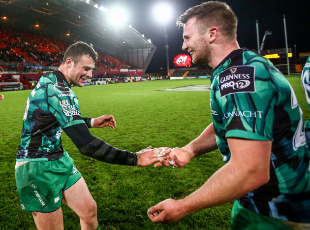 Jack Carty and Robbie Henshaw celebrate after the game