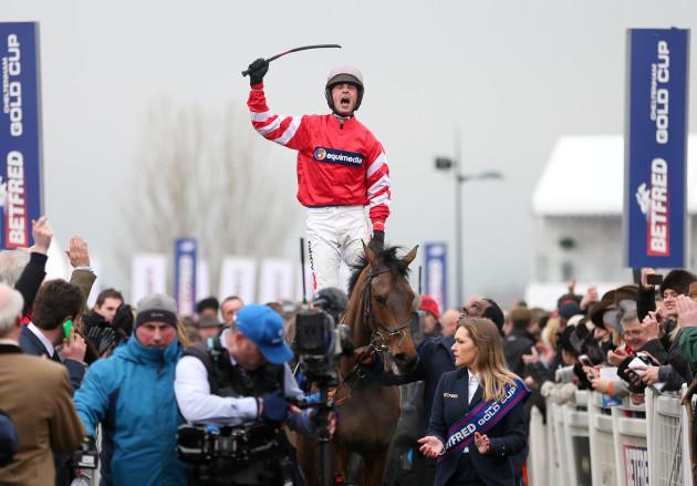 Horse Racing - 2015 Cheltenham Festival - Gold Cup Day - Cheltenham Racecourse