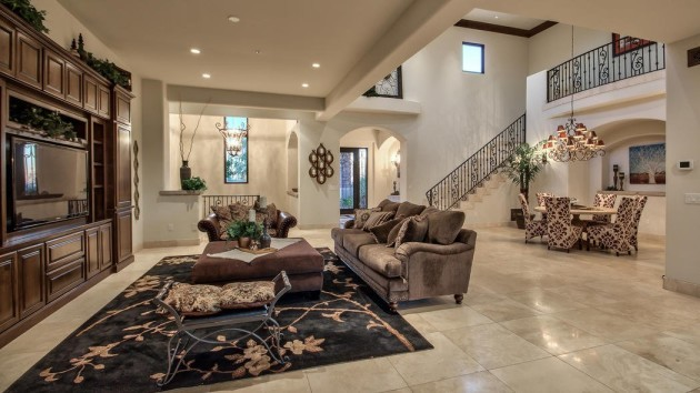 the-nearly-8000-square-feet-affords-plenty-of-space-for-living-rooms-and-sitting-areas