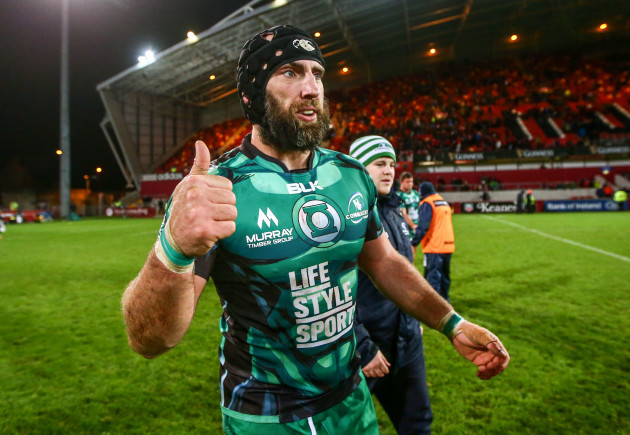 John Muldoon celebrate after the game