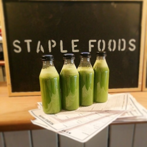 Fresh spinach, broccoli, celery, cucumber, lemon, apple and ginger juice! Available from 8am!