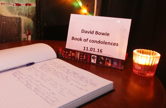 11/01/2016. David Bowie - Tribute. Pictured a Book