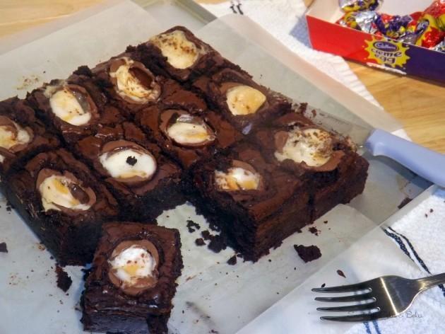 Creme egg brownies (70)