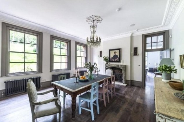 the-nineteenth-century-home-underwent-an-extensive-renovation-at-the-hands-of-interior-designer-paula-barnes-and-her-husband-matthew
