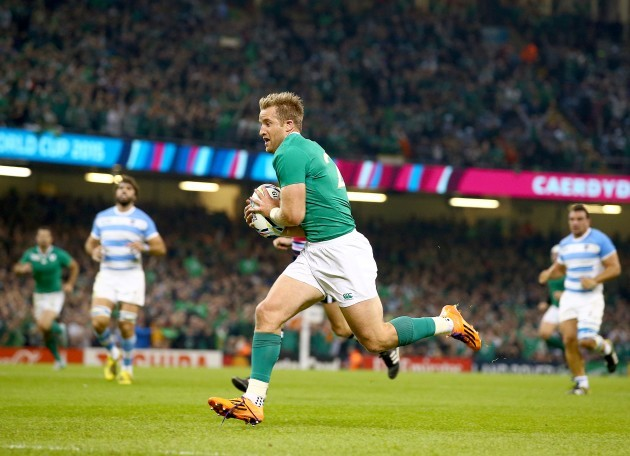 Luke Fitzgerald scores their first try