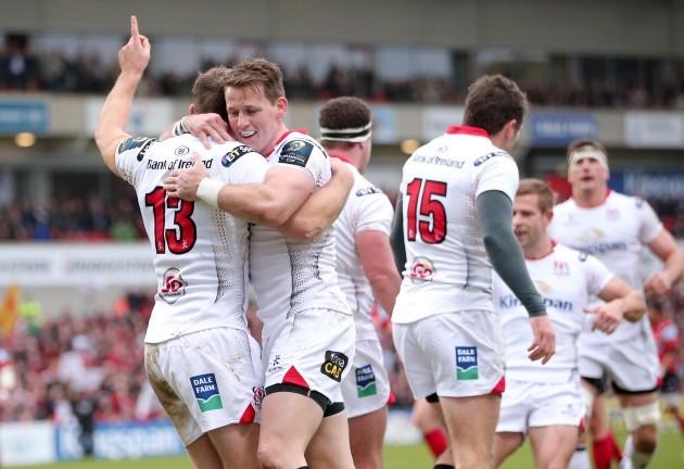 Darren Cave celebrates his try with Craig Gilroy