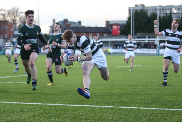 James McKeown scores a try