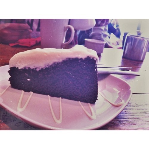 Guinness chocolate cake -- best dessert decision of my life #guinness #dublin #ireland #studyabroad #travel #foodporn #foodcoma