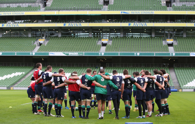 The Ireland players in a huddle