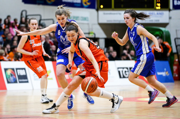 Claire Rockall puts pressure on Leah Cunningham