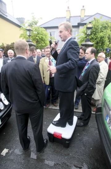 16/5/2007 Fine Gael leader Enda Kenny canvassing