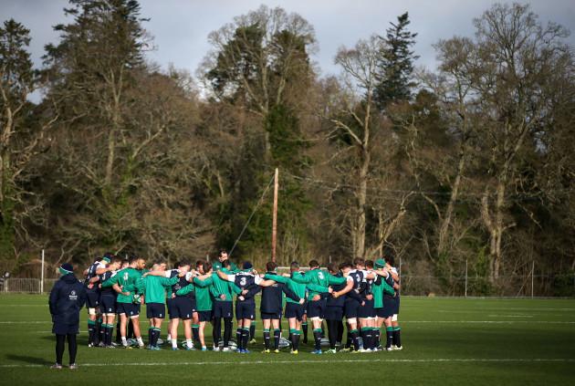 Ireland team huddle