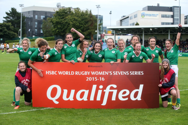 The Ireland team celebrate qualifying for the HSBC World Rugby Sevens Series