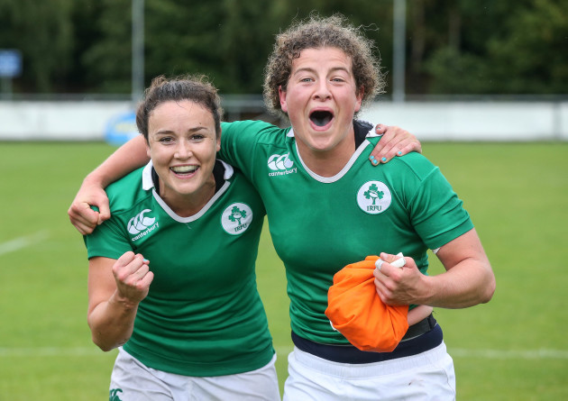 Louise Galvin and Jenny Murphy celebrate qualifying for the HSBC World Rugby Sevens Series
