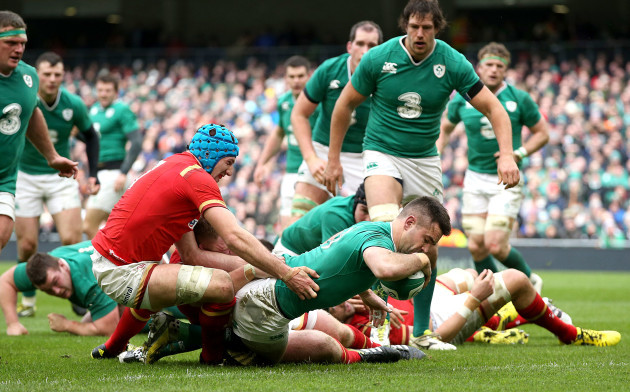 Conor Murray scores their first try