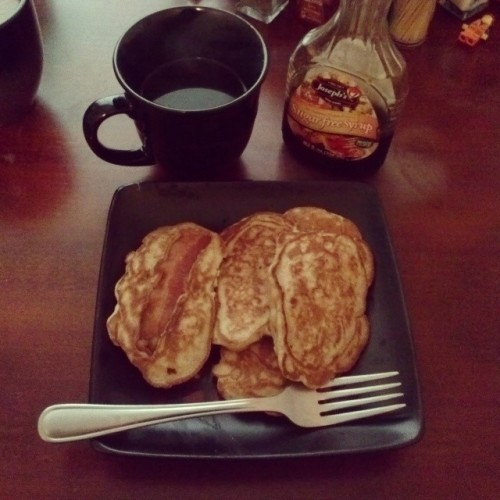 Not bad for my first time! ^~^ #breakfast #baconstrippancakes using #multigrainpancakemix and #almondmilk, paired with some #donfranciscocoffee and #sugarfreesyrup! #omnomnomgram