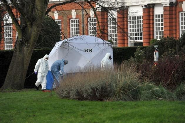 Man dies outside Kensington Palace