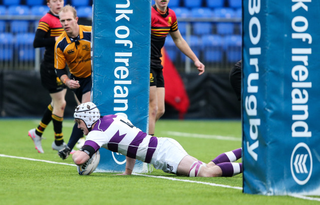 Jack Moore scores a try