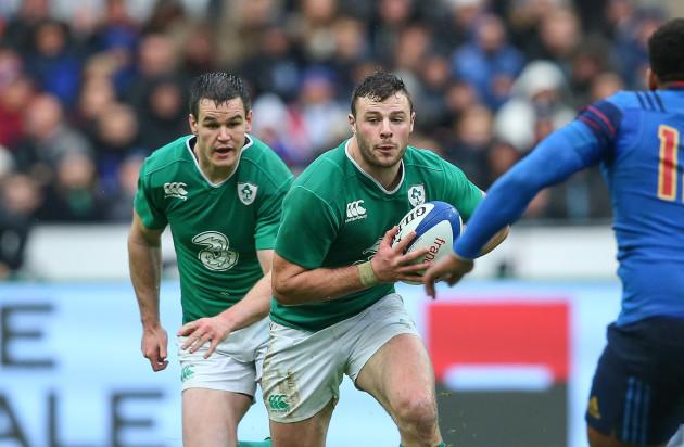 Ireland's Jonathan Sexton and Robbie Henshaw