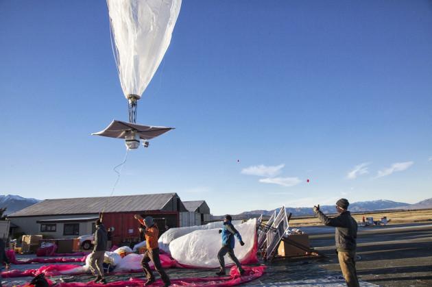 Science - Google balloon internet test - Tekapo - New Zealand