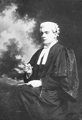 Padraig,Pearse,in,barrister,robes,vtls000643845_001