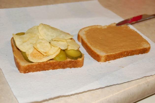 Potato_chip_sandwich
