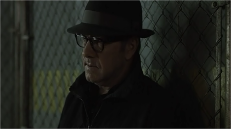 Frank-Underwood-Kevin-Spacey-plays-Deep-Throat-once-again-in-House-of-Cards-2x01