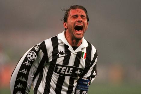 Soccer - UEFA Champions League - Quarter Final First Leg - Juventus v Olympiakos