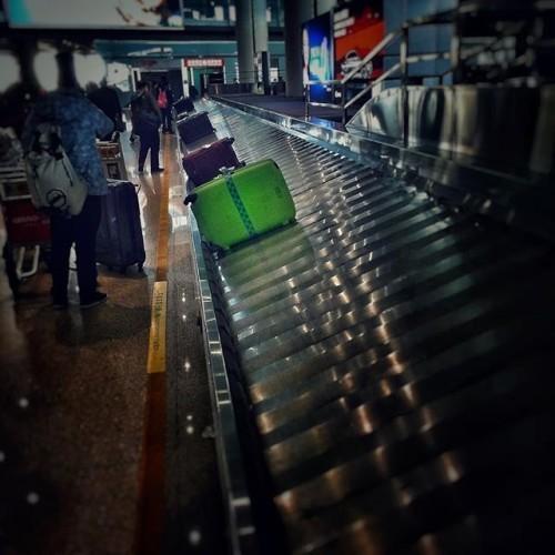 #mysuitcase #baggageclaim #beijingairport
