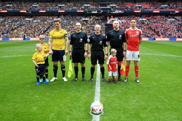Barnsley v Oxford United - Johnstone's Paint Trophy - Final - Wembley Stadium