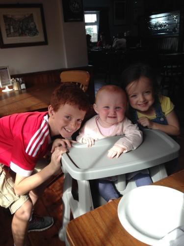Lexi with her brother Dylan and baby sister Ali (1)x