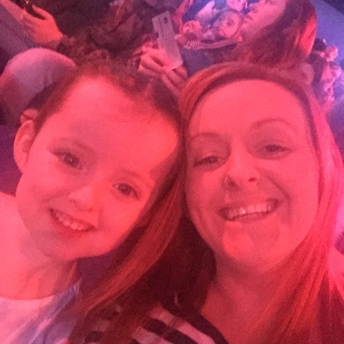 Lexi Murphy with her mother Kim at the Little Mix concert 30.3.16 (1)
