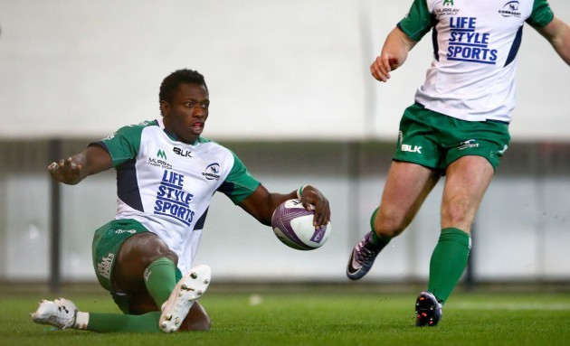 Niyi Adeolokun scores his sides first try