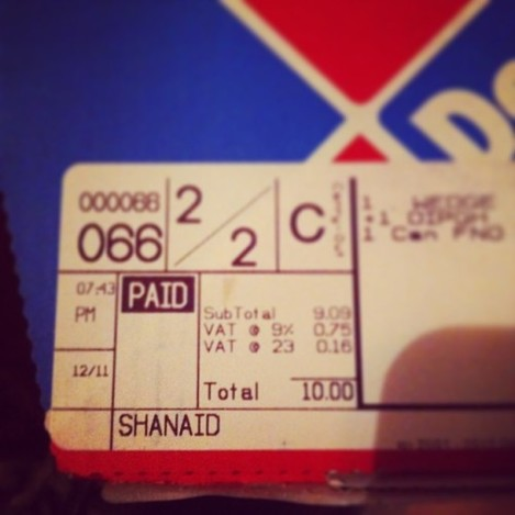 And I thought Starbucks had name spelling issues...! #dominos #pizza #mynameissinead #foodie #nom