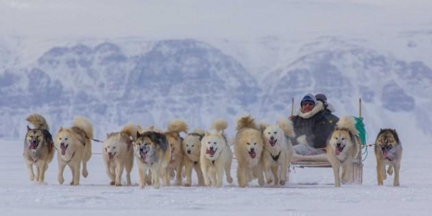 thule-air-base-inuit