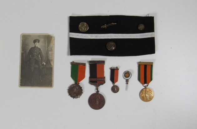 261.1 _ Byrne (Thomas J.) Volunteer. A good collection of his personal belongings from his time fighting for Ireland