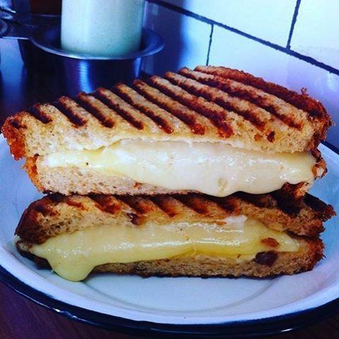 Vengan y prueben nuestro Grilled Chesse Sandwich con Pesto de Albahaca #torterianacional #grilledcheesesandwich