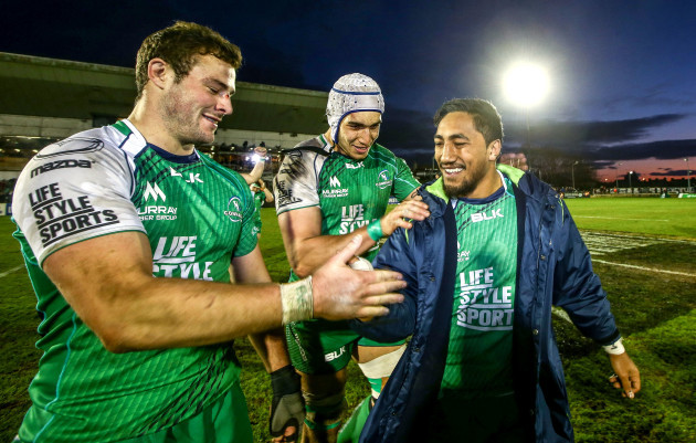 Robbie Henshaw, Ultan Dillane and Bundee Aki celebrate at the end of the game