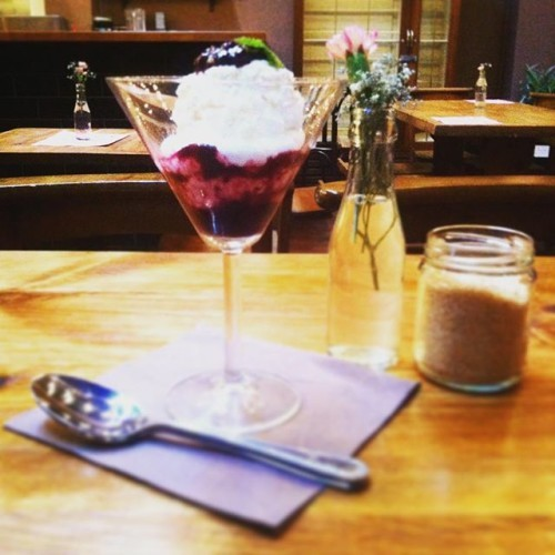@wigwamdublin creamy cheesecake mousse with lovely sharp berry coulis #food #dublin