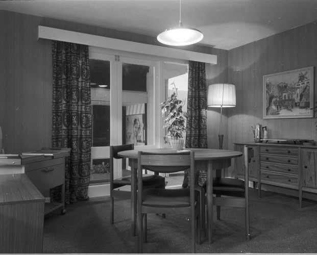rds_home-exhibit_dining-room_1960s-e1461143133611