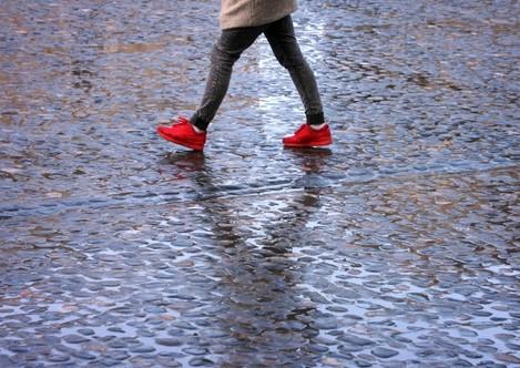 27/4/2016 Spring Rain. A pedestrian walks through