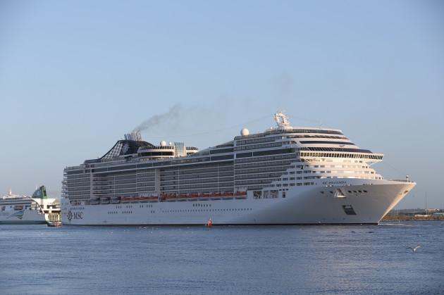 11/5/2015 Largest Cruise ship MSC Splendida
