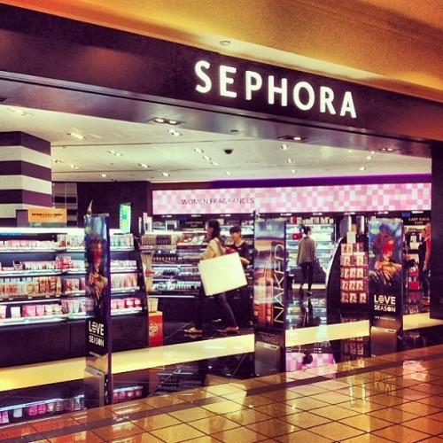 Sephora... I call it paradise or heaven or polaris or surgaaaaaaa
