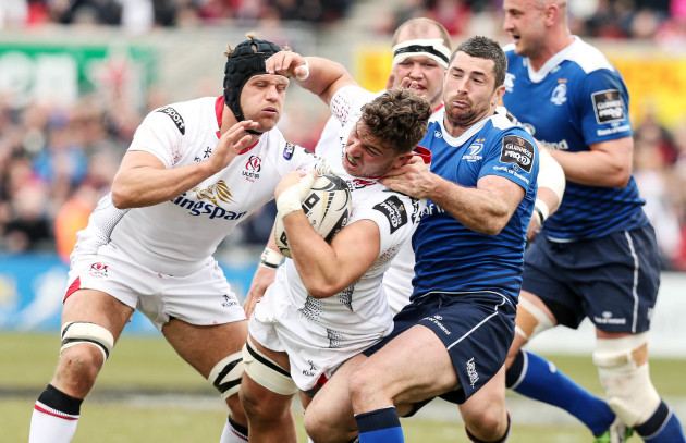Sean Reidy is tackled by Rob Kearney