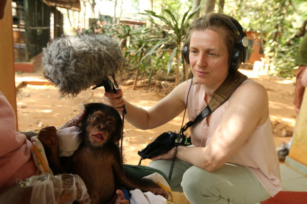 Michele Browne with Lucky the chimp at Tacugama sanctuary (2) 2016