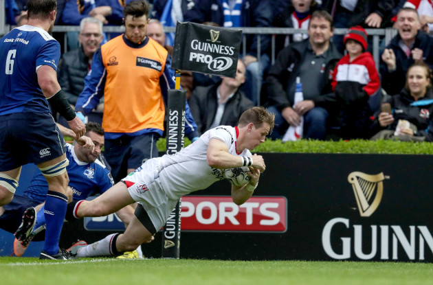 Craig Gilroy scores a try