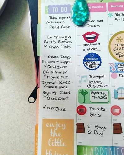 It's Monday, time to tackle my do do list! #busymom #plannermom #weloveec #weloveechourly #todolist #getitdone
